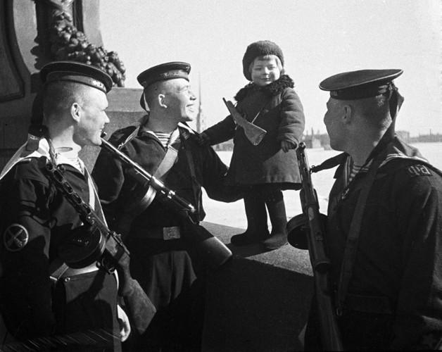 Khẩu súng huyền thoại của Liên Xô trong cuộc chiến Vệ quốc vĩ đại - Ảnh 4.