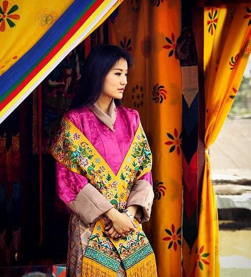 Jetsun Pema: Chuyện đời nàng Lọ Lem giữa đời thực và câu chuyện tình yêu như cổ tích ở xứ sở hạnh phúc nhất thế giới - Ảnh 13.