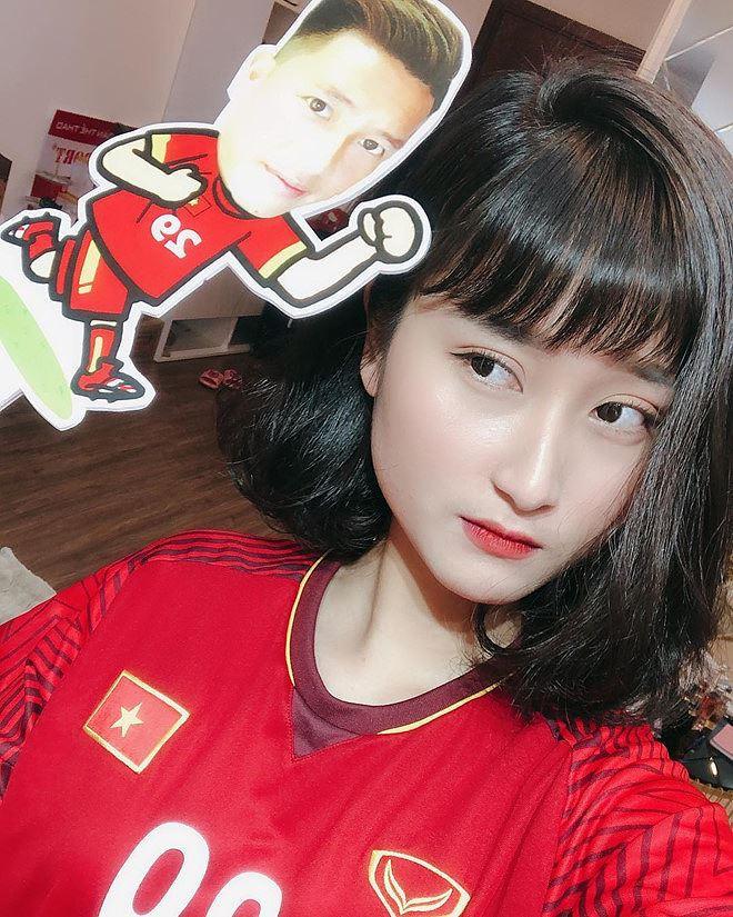 Gia nhập hội bạn gái cầu thủ, Ngọc Nữ vẫn phủ nhận yêu Phan Văn Đức - Ảnh 5.