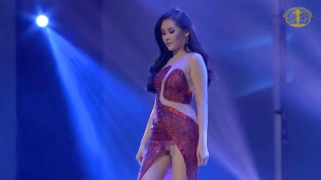 Chung kết Hoa hậu Liên lục địa: Ngân Anh gặp sự cố nhạy cảm khi trình diễn váy dạ hội - Ảnh 2.