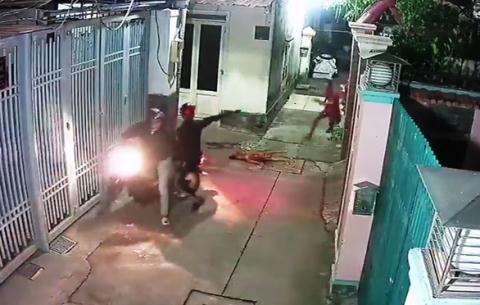 Cẩu tặc bắn chó, dọa bắn chủ nhà: Dọa rồi chạy luôn - Ảnh 3.