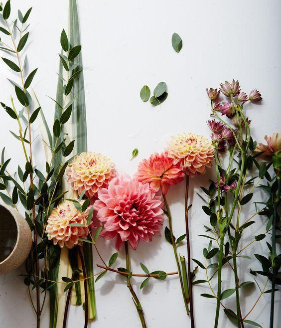 Ngoài đào và quất, những loại hoa này cũng nên được trang trí trong nhà bạn cho Tết thêm đầm ấm sum vầy - Ảnh 3.