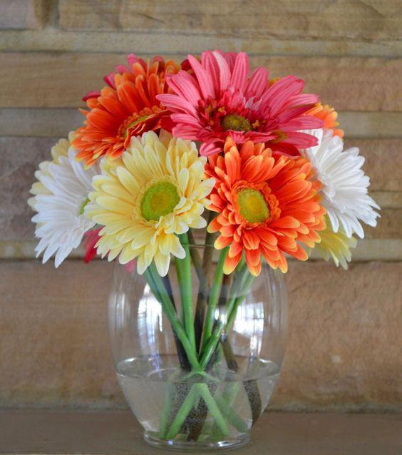 Ngoài đào và quất, những loại hoa này cũng nên được trang trí trong nhà bạn cho Tết thêm đầm ấm sum vầy - Ảnh 8.
