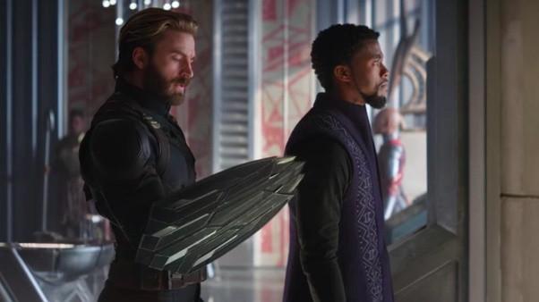 Vì sao Wakanda không làm cho Captain America khiên cũ mà lại đưa cái mới? - Ảnh 2.