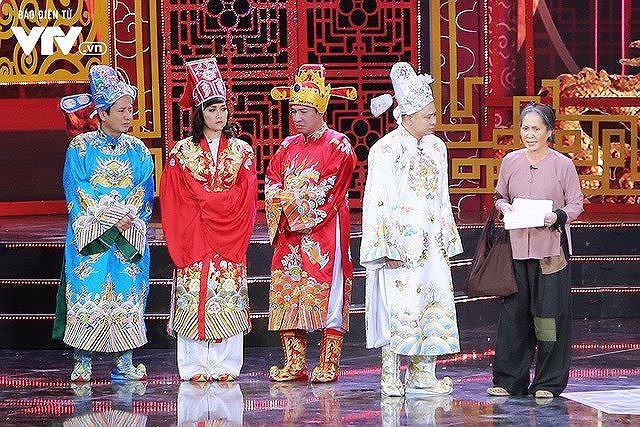 Showbiz 28/1: Thư Dung gây tranh cãi vì tự nhận là Á hậu - Ảnh 3.