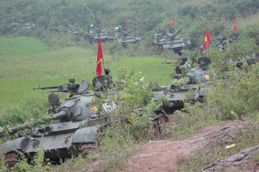 Bộ đội Việt Nam chiếm xe tăng Trung Quốc sản xuất để đánh Khơ me Đỏ: Type 62 đối đầu T-54 chịu sao được nhiệt! - Ảnh 2.