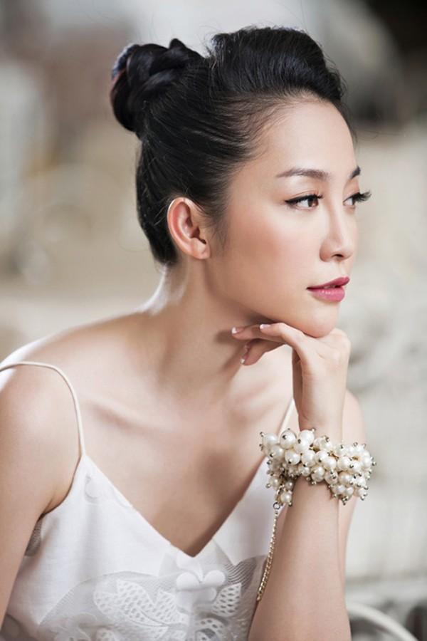 Cận cảnh bà chị quyền lực của Đặng Văn Lâm - Ảnh 3.
