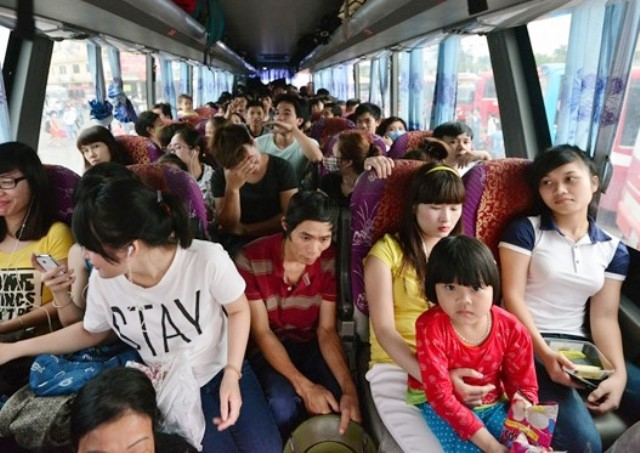 Bên trong những chuyến xe khách ngày cận tết khiến nhiều người ám ảnh - Ảnh 4.