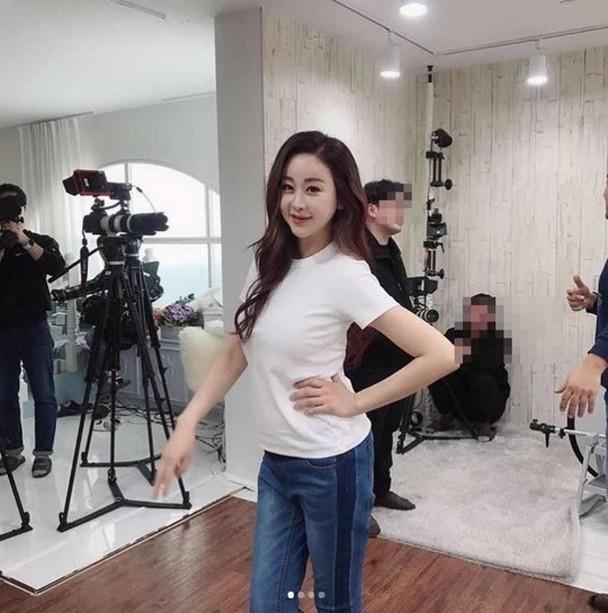 Hôn nhân viên mãn của Hoa hậu Hàn Quốc U50 và hot boy đáng tuổi con - Ảnh 10.
