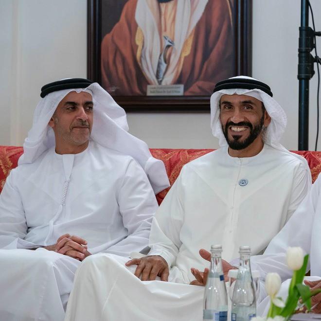 Hoàng tử UAE mua sạch vé trận bán kết với Qatar quyền lực đến cỡ nào? - Ảnh 1.
