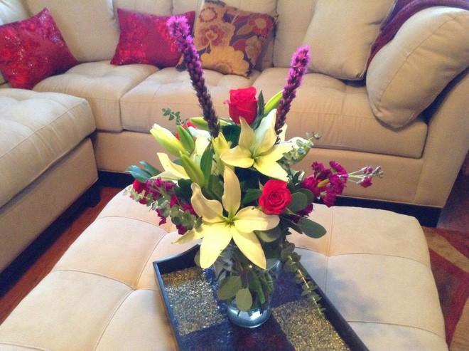 Mẹo giúp hoa tươi lâu trong ngày Tết Nguyên Đán - Ảnh 1.