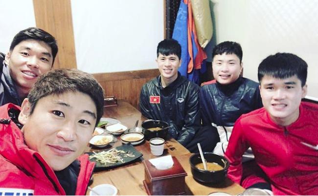 Nghỉ xả hơi ăn Tết, dàn hot boy đội tuyển Việt Nam thi nhau khoe nhà mới, đi chơi cùng bạn gái - Ảnh 14.