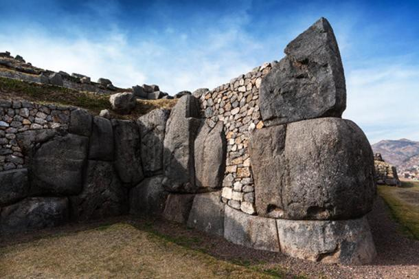 Những công trình cổ đại bằng đá cực kỳ bí ẩn, thách thức trí tuệ nhà khoa học hiện đại - Ảnh 2.