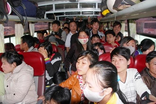 Bên trong những chuyến xe khách ngày cận tết khiến nhiều người ám ảnh - Ảnh 8.