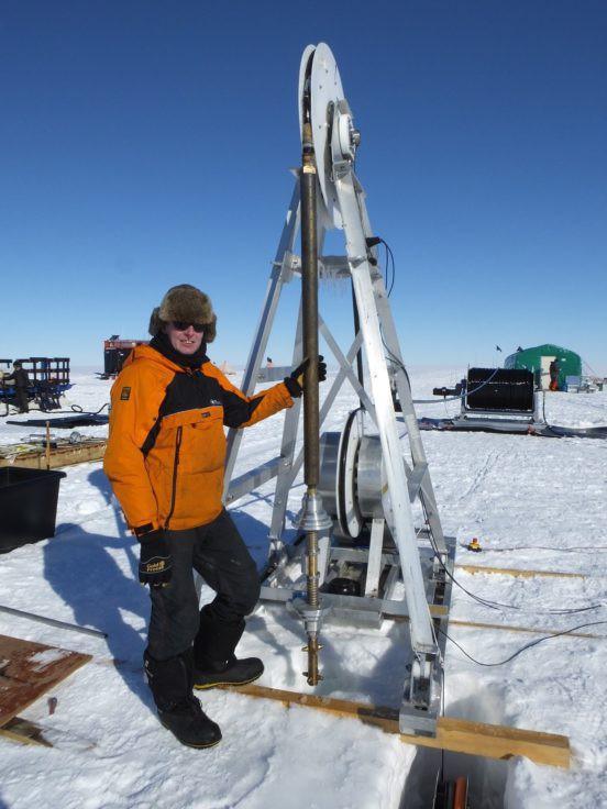 Dùng khoan nước nóng, các nhà khoa học khoan được hố sâu kỷ lục tại Nam Cực: Tận 2.152 mét! - Ảnh 3.