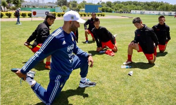 Vẫn nuôi mộng siêu cường, bóng đá Trung Quốc dốc sức tìm Messi mới - Ảnh 1.