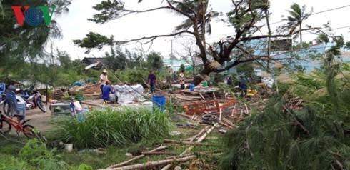 Hơn 100 nhà dân bị sập, tốc mái do bão số 1 ở Bạc Liêu - Ảnh 1.
