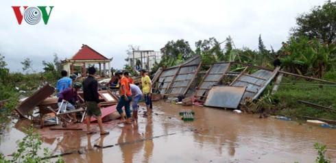 Hơn 100 nhà dân bị sập, tốc mái do bão số 1 ở Bạc Liêu - Ảnh 2.