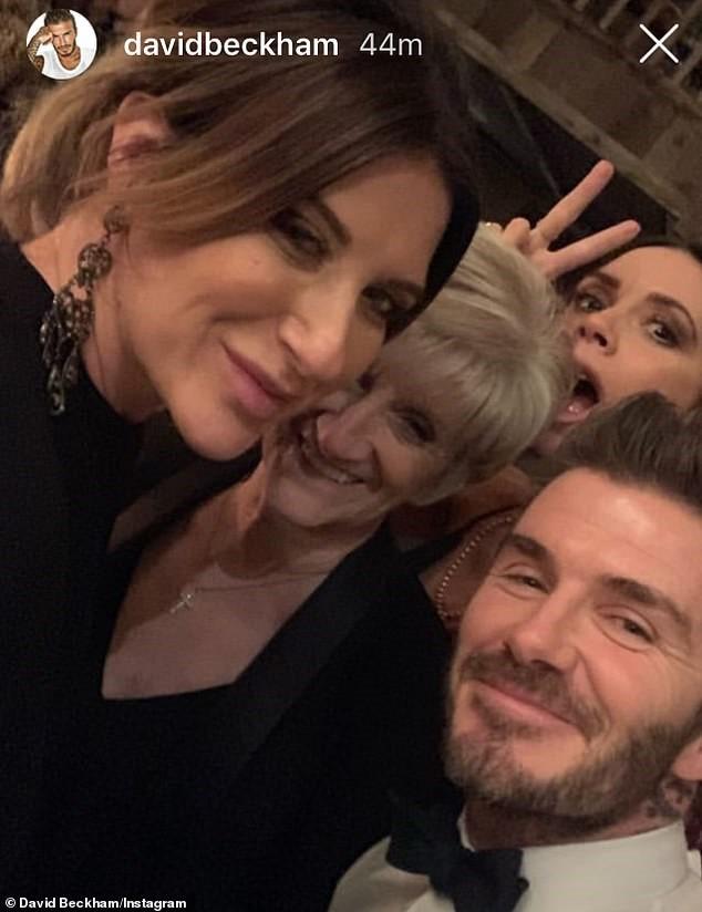 Chị gái David Beckham rao bán đồ trên mạng kiếm sống dù có em trai nổi tiếng, giàu có - Ảnh 4.