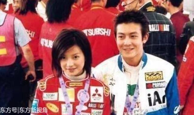 Loạt ảnh đáng giá ngàn vàng của sao Hoa ngữ ngày xưa: Không ngờ Song Hye Kyo là fan ruột của Trương Quốc Vinh - Ảnh 13.