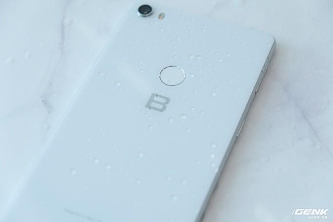So sánh Vsmart Active 1 và Bphone 3: Smartphone Việt nào đáng mua hơn? - Ảnh 14.