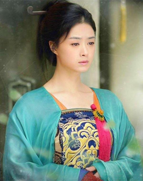 Đâu chỉ có Địch Lệ Nhiệt Ba, Tân Cương còn là vùng đất sản sinh ra hàng loạt mỹ nữ đẹp nghiêng nước nghiêng thành - Ảnh 17.