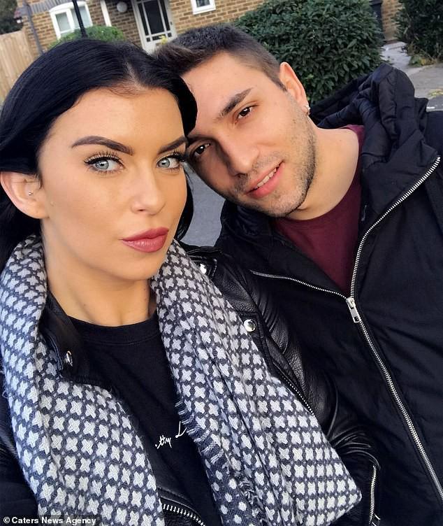 Yêu từ cái nhìn đầu tiên, cô gái Anh và bạn trai Ý hạnh phúc bên nhau 2 năm nhờ Google Dịch - Ảnh 5.