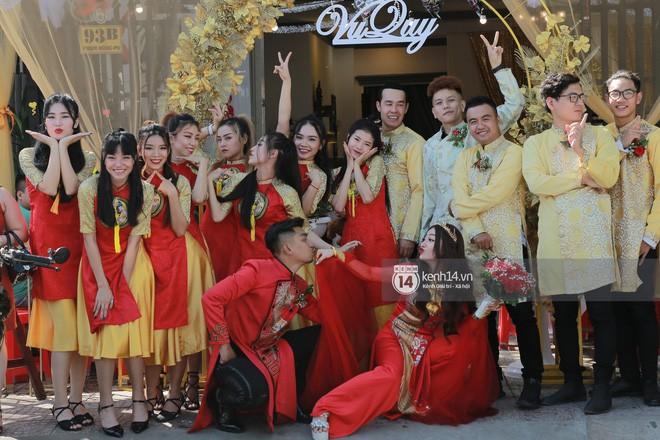 MiA rạng rỡ diện áo dài đỏ, đeo vàng đầy tay trong lễ rước dâu tại quê nhà Vĩnh Long - Ảnh 9.