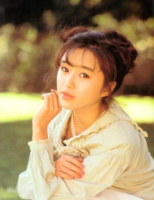 Ngọc nữ hàng đầu Nhật Bản: Hết thời phải đóng phim 18+, lên mạng xin tiền người hâm mộ - Ảnh 1.