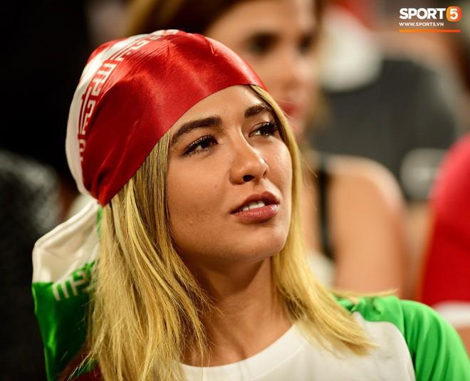 Fangirl Iran đẹp xuất thần trong ngày đội nhà giành chiến thắng đậm trước Yemen - Ảnh 12.