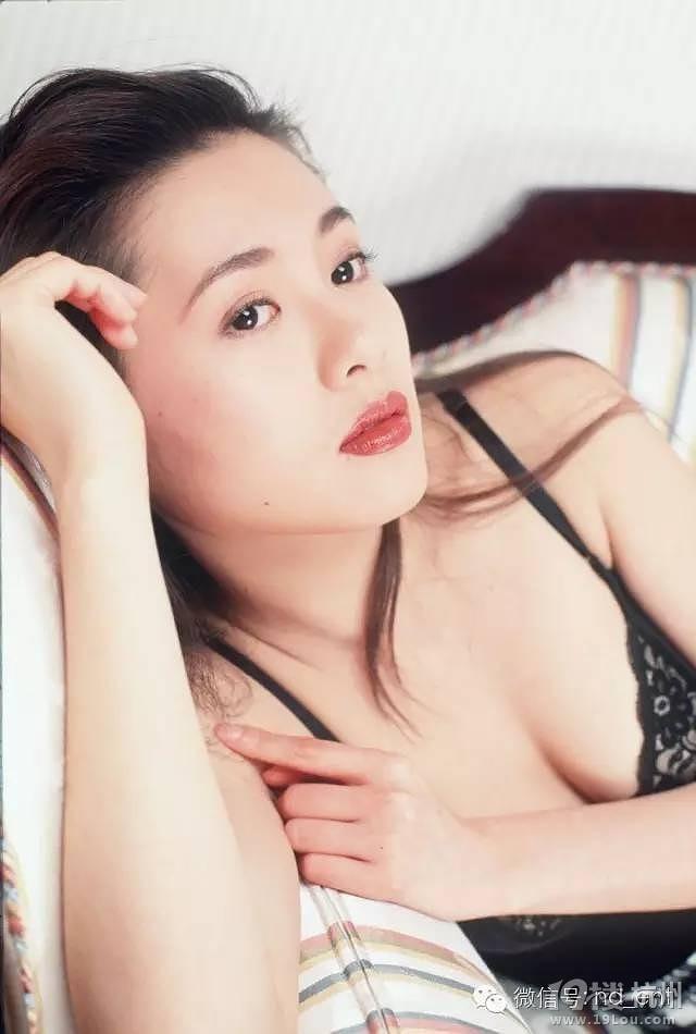 Nhan sắc trẻ trung ở tuổi 53 của nữ hoàng phim nóng làm khuynh đảo Hong Kong một thời - Ảnh 8.