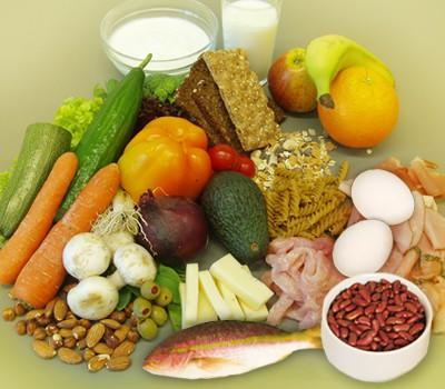 10 loại thực phẩm giúp mái tóc khỏe đẹp - Ảnh 1.