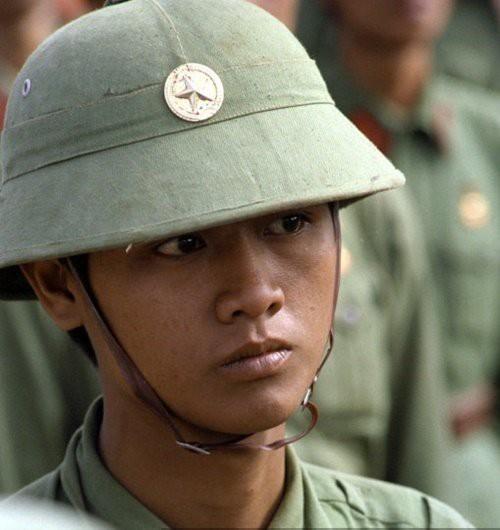 Những ổ phục kích giữa đêm và loại mìn man rợ nhắm vào bộ đội Việt Nam của Khmer Đỏ - Ảnh 1.