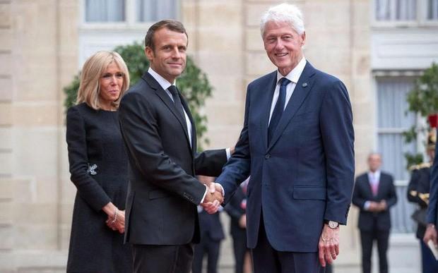 Sau bao nhiêu nỗ lực để hồi xuân, Đệ nhất phu nhân Pháp gây bất ngờ với gương mặt láng mịn trong sự kiện mới nhất - Ảnh 1.