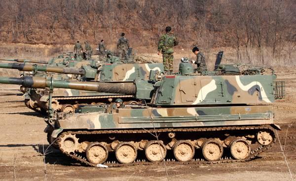 Nga giật mình khi sấm sét chiến trường K9 Thunder áp sát biên giới - ảnh 13