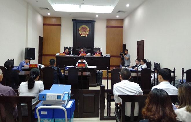 Hoãn phiên tòa vì đại diện Tuần Châu bị sốt virus, đạo diễn Việt Tú nói gì? - ảnh 1
