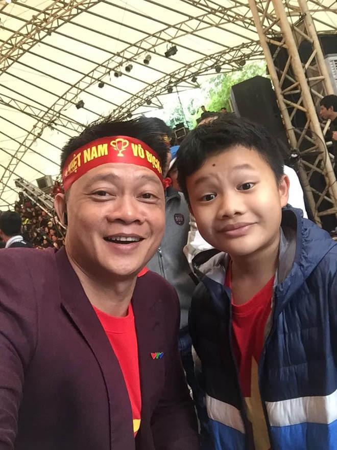 Mr Đàm muốn làm điều đặc biệt cho cả nhà Quang Hải sau bàn thắng tuyệt đẹp vào lưới Malaysia - Ảnh 3.