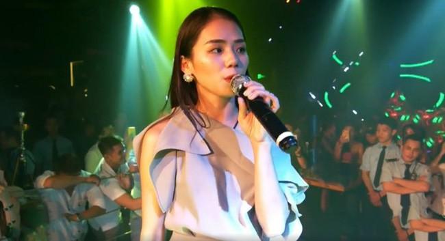 Bị tố hát live dở, Hương Ly nói do âm thanh kém liền bị quản lý quán bar mắng ngược ăn cháo đá bát - Ảnh 2.