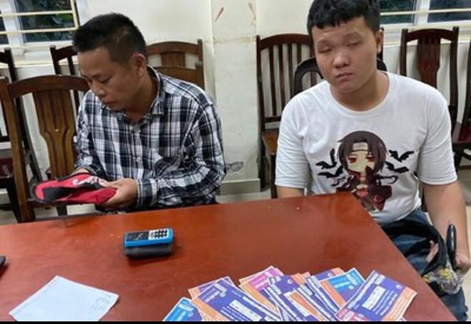 Bắt quả tang 6 cò vé trận Việt Nam - Malaysia - Ảnh 3.