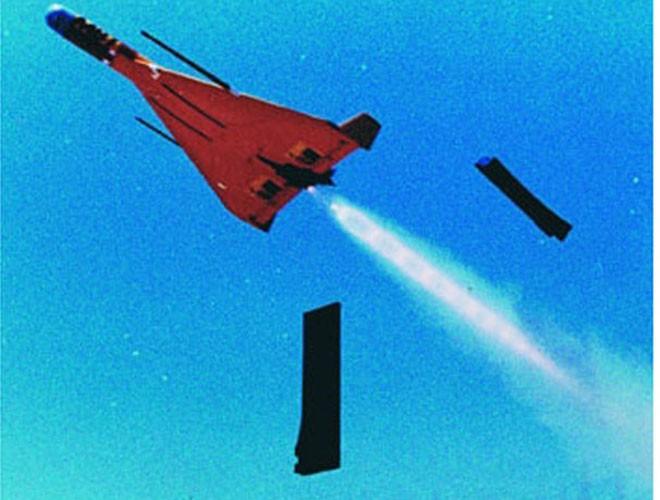 Máy bay không người lái cảm tử - loại vũ khí ngày càng đáng sợ - ảnh 3