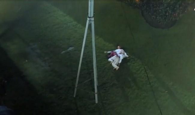 Lý do có tên Tiếng sét trong mưa: Vì con gái Thị Bình ngủ với anh trai, tự sát bằng điện giật giữa mưa bão? - ảnh 4