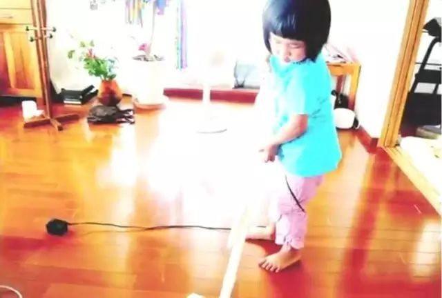 Bé gái từng gây xúc động khi 5 tuổi biết nấu ăn, làm việc nhà trước khi mẹ qua đời vì ung thư bây giờ ra sao? - Ảnh 7.