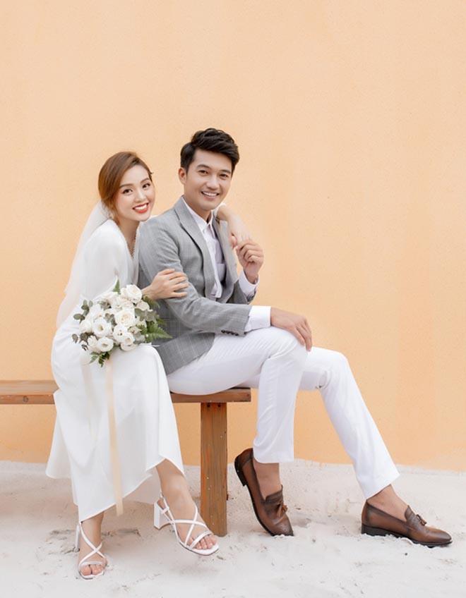 Danh tính nữ ca sĩ xinh đẹp, từ bỏ showbiz để làm vợ diễn viên Quang Tuấn - Ảnh 4.