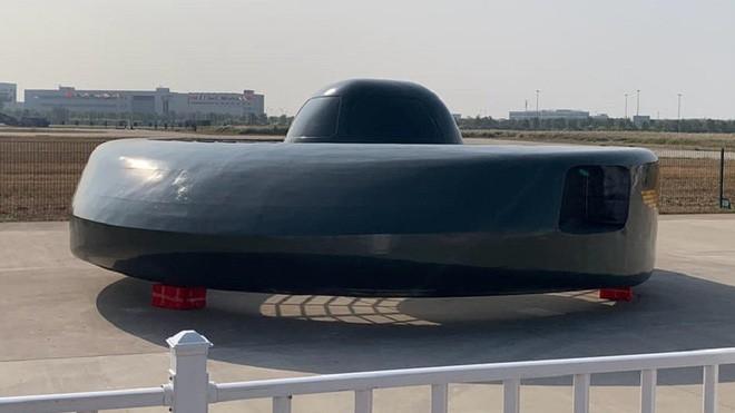 Khám phá trực thăng Siêu cá mập trắng lớn giống robot hút bụi của Trung Quốc - Ảnh 1.