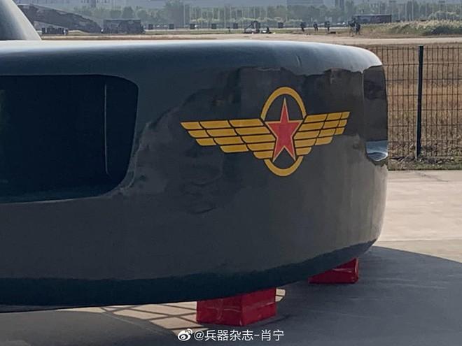 Khám phá trực thăng Siêu cá mập trắng lớn giống robot hút bụi của Trung Quốc - Ảnh 2.