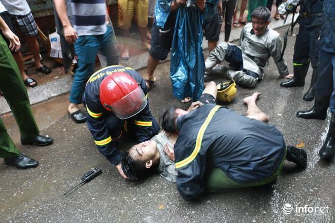 Khoảnh khắc ấm áp: Chàng trai được chiến sĩ PCCC cõng khỏi đám cháy gặp gỡ và gửi lời cảm ơn tới các ân nhân - ảnh 1