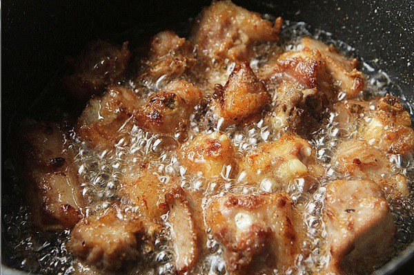 Đâu chỉ có xào chua ngọt, sườn nấu theo cách này cũng khiến cả nhà vét sạch nồi cơm - Ảnh 3.