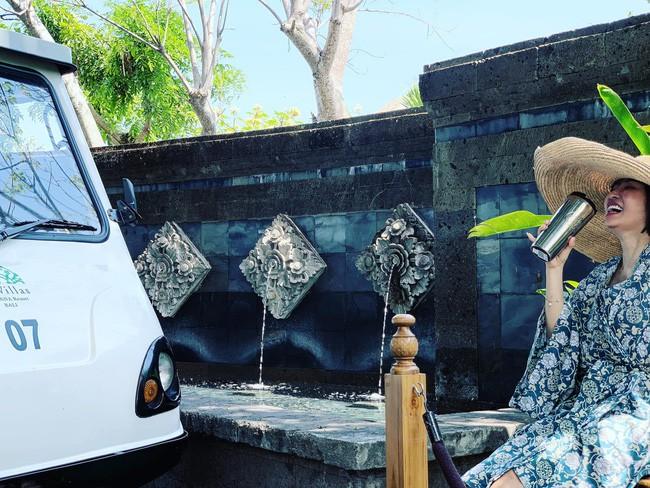 Minh Nhựa sang Bali kỉ niệm ngày cưới, dân tình cười lăn vì lối chụp ảnh của vị đại gia - ảnh 3