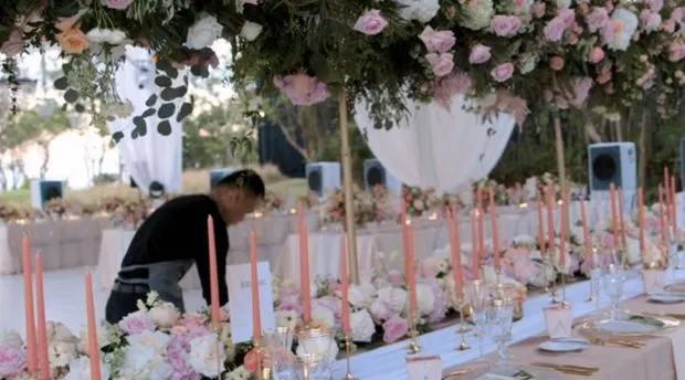 Cô dâu chi gần 30 triệu để mua hoa bài trí thử trước ngày cưới, thay đổi 4 bộ váy cưới gần 1 tỷ - Ảnh 5.