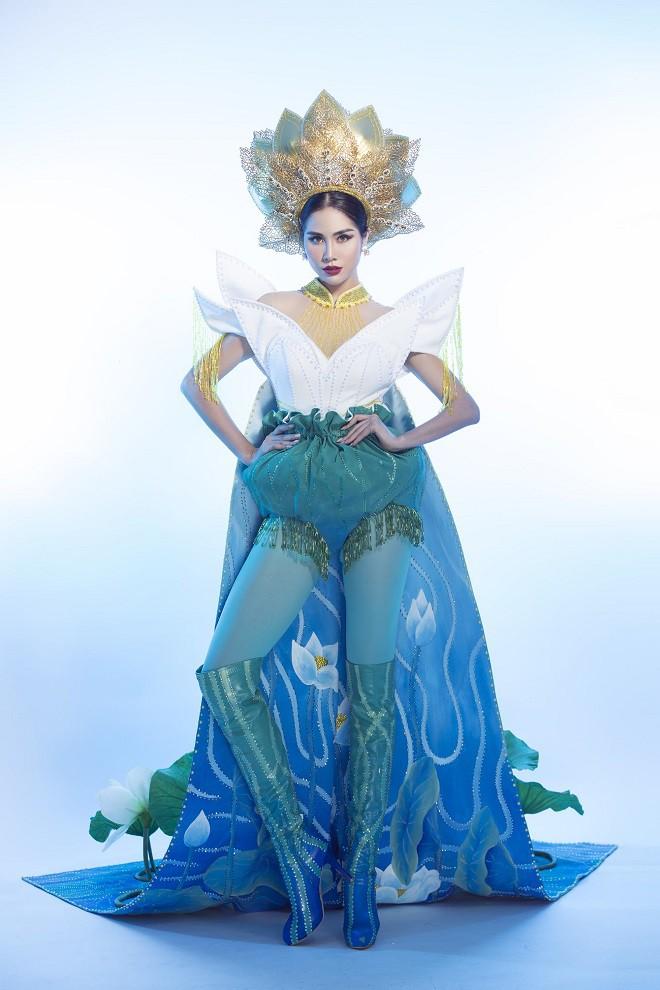 Hoàng Hạnh mặc quốc phục đính 5.000 viên pha lê tranh tài tại Miss Earth 2019 - Ảnh 4.
